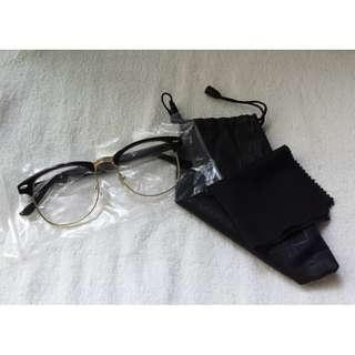 🚚 Vintage Glossy Shiny Black Eyewear Spectacle Clubmaster Frame Glasses Clear lens with Gold Rims