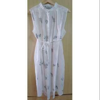 🚚 純白花草圖樣襯衫洋裝