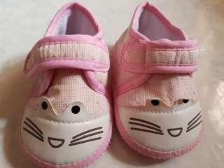 🚚 Girl walker shoe
