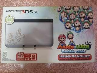Nintendo 3DS XL Limited Edition + Pokémon X
