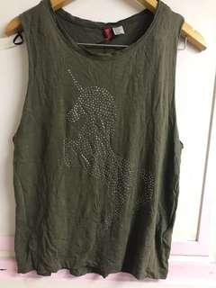 🚚 H&M 軍綠色獨角獸🦄️寬袖棉質背心