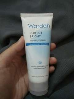 Wardah perfect bright creamy foam