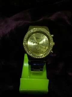 🚚 金色手錶
