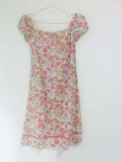 🚚 Flowery dress