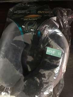 ($150)Nap nap pillow 灰黑色 頸枕 旅行套裝 必備