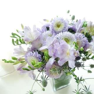 Customized centerpiece fresh flower box by Korean florist