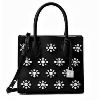 Michael Kors Bag / Bag Mercer Jewel Md-Messenger Black/Crystal. 60% OFF Clearance Sales original price: MYR1022!