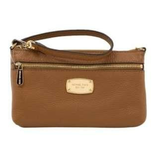 Michael Kors Jet Set Item Leather Large Wristlet Bag Purse in Acorn. 60% OFF Clearance Sales original price: MYR388!