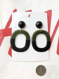 H&M BLACK & JUNIPER CHIC EARRING