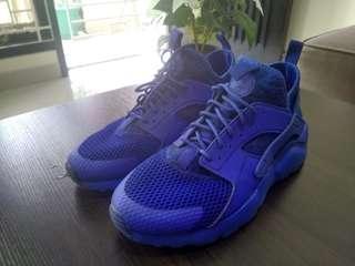 Nike Huarache Preloved Mulus WEEKEND SALE... Harga Udah Diturunin sampai Mentok !!!