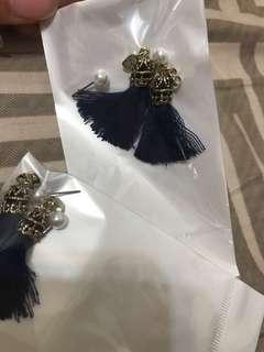 貴族寶藍針式耳環