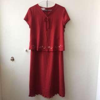 深磚紅色兩件式繡花套裝