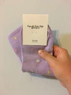 🚚 韓國🇰🇷 粉紫色星球 襪