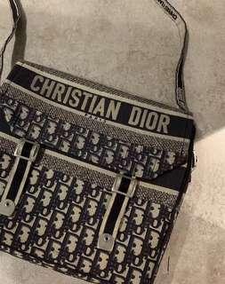 Dior oblique cramp messenger bag