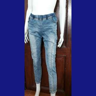 28-30 Garterized blue jeans denim