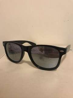 Sunglasses rayban style