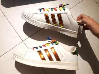 🚚 Rainbow adidas superstar insp sneakers