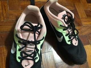 WOMEN'S Nike CK Racer 2 size 7