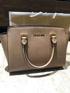 Authentic Michael Kors Selma Leather Medium Satchel Sling Crossbody Handbag - Khaki Color