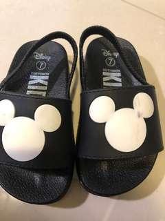 🚚 Toddler Sandals