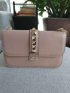 🚚 Valentino Rockstud Lock Bag (Medium)