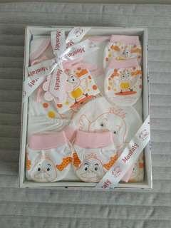 🚚 Assorted Baby Gift Sets