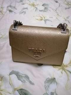 🚚 Authentic prada shoulder bag
