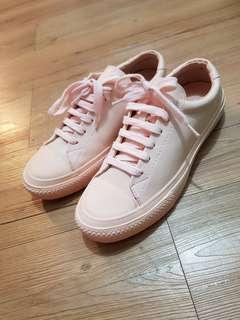 🚚 粉嫩色系休閒鞋