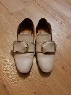 🚚 大方扣便鞋可後踩