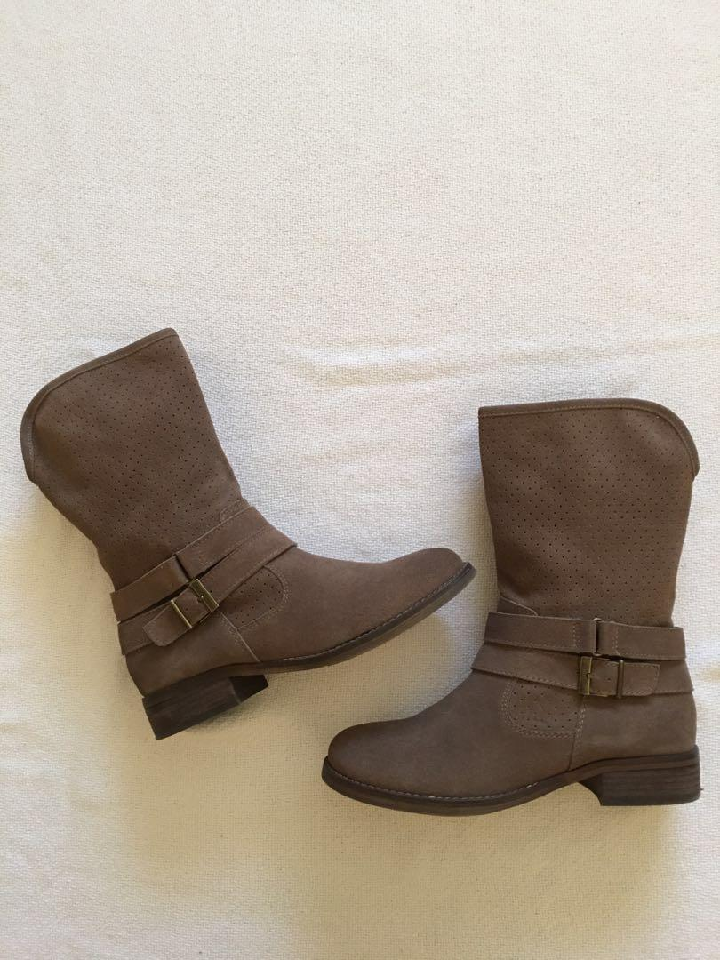 Crown Vintage taupe moto boots - Size 6-1/2