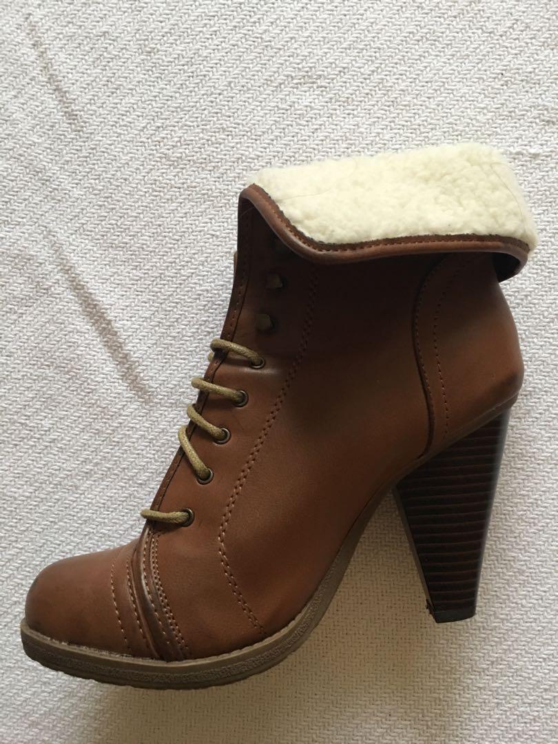 MIA cognac shearling boots - Size 6