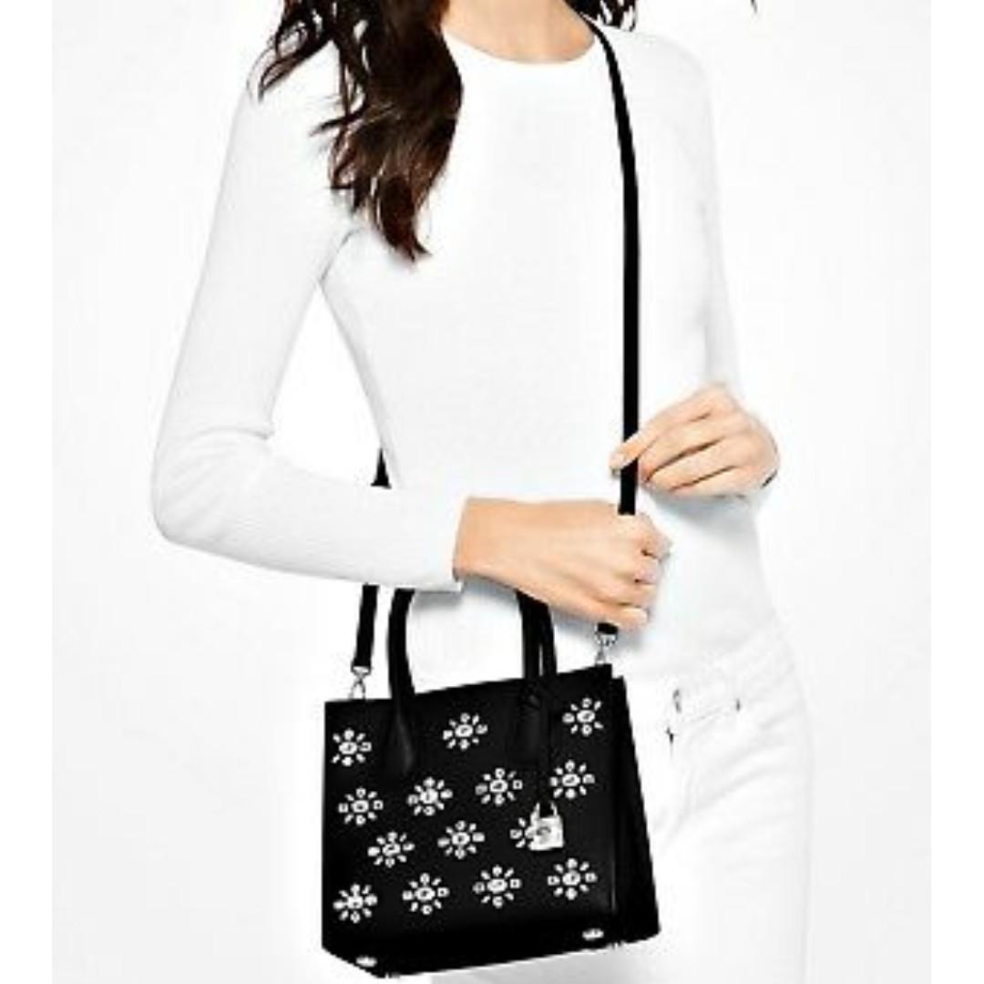 Michael Kors Bag / Bag Mercer Jewel Md-Messenger Black/Crystal. 60% OFF Clearance Sales original price: MYR1022!