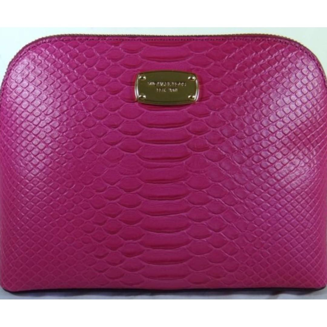Michael Kors Cindy Fuschia LG Dome Crossbody Leather Bag. 60% OFF Clearance Sales original price: MYR680!