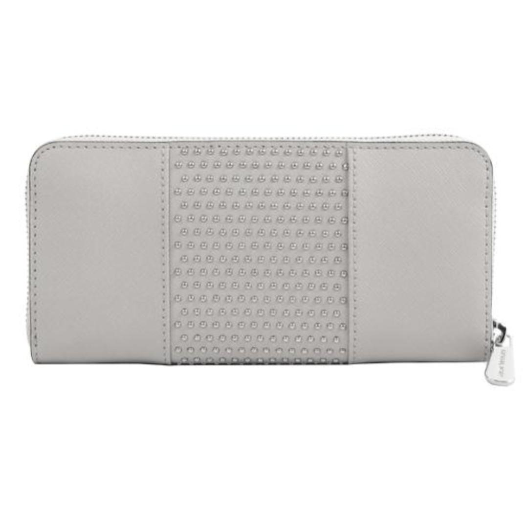 Michael Kors Microstud Jet Set Center Stripe Za Continental Pearl Grey. 60% OFF Clearance Sales original price: MYR377!