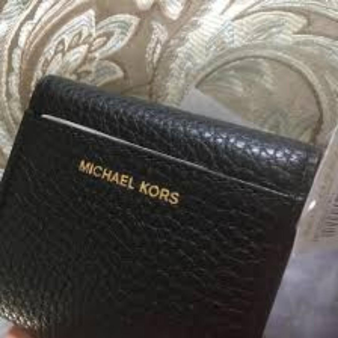 MICHAEL KORS MK PEBBLE LEATHER COOPER MD CARRYALL WALLET. 60% OFF Clearance Sales original price: MYR420!
