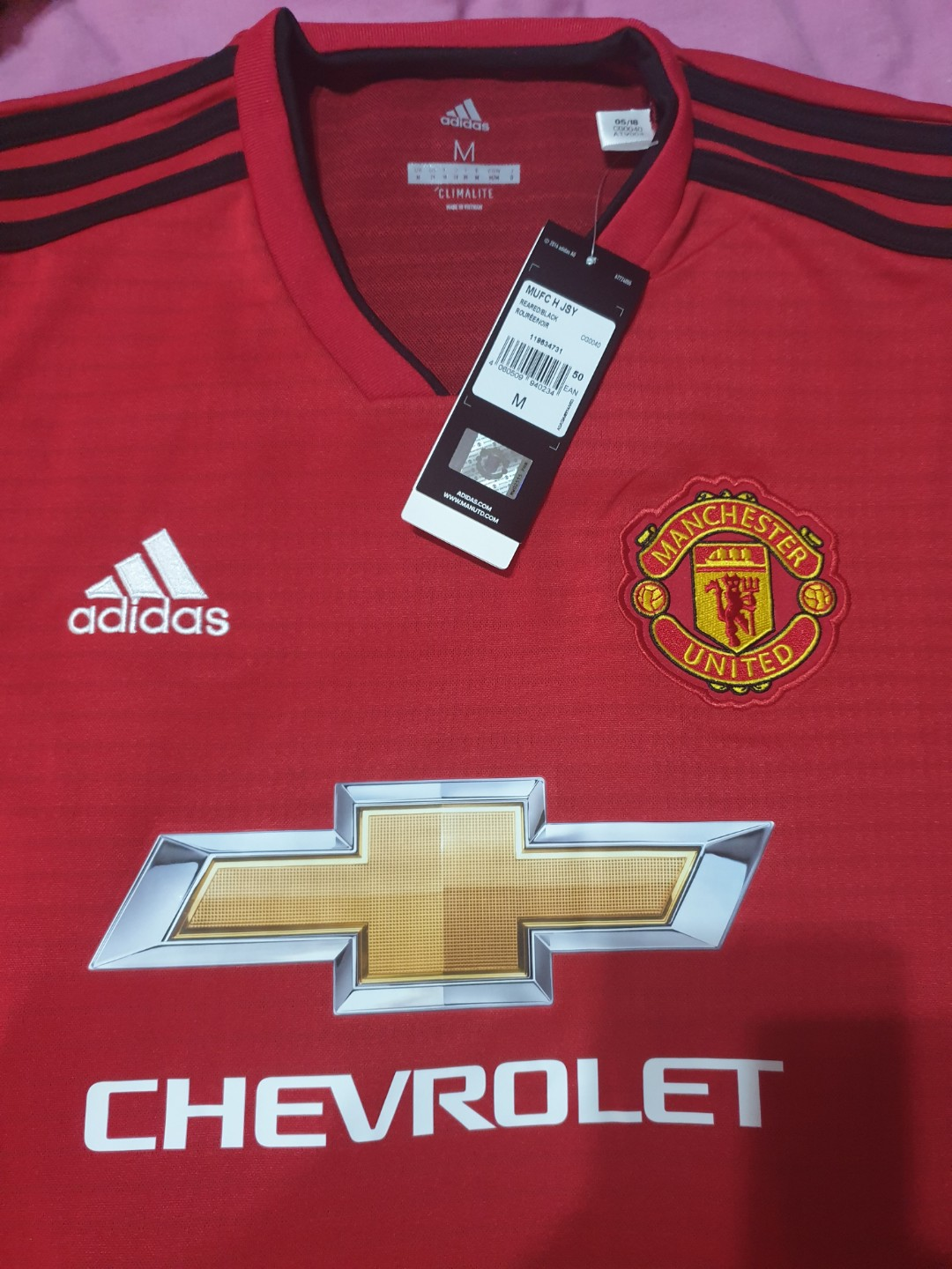 197005aa7 NWT Authentic Manchester United size M Jersey 18 19