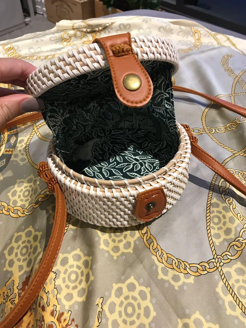 Rattan Bag - Small Round Wicker Crossbody Vintage Beach Bag Style with Balinese fabric interior