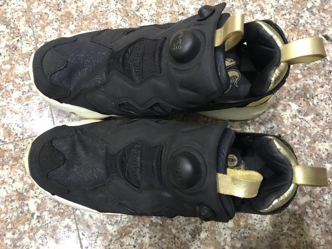 ReeBok Pump黑金充氣鞋