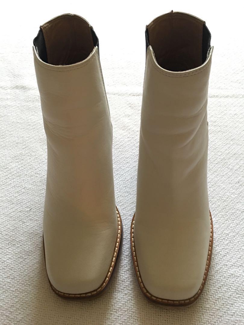Shellys London Lovenia White Chelsea Boots - Size 6