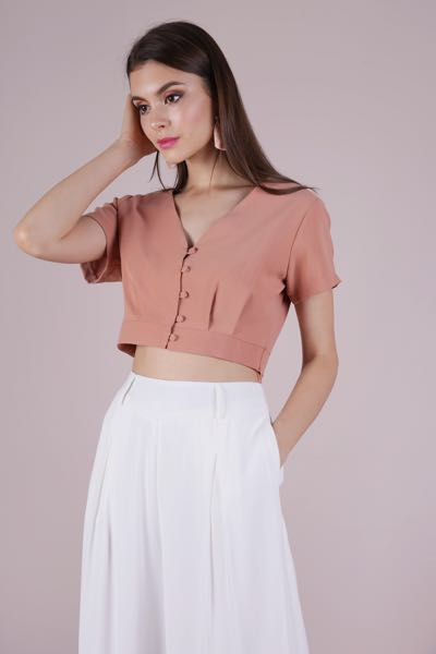 8b0024559a5 The Tinsel Rack Liddy Top, Women's Fashion, Clothes, Tops on Carousell