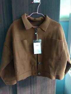 🚚 駝色復古風大口袋短版外套