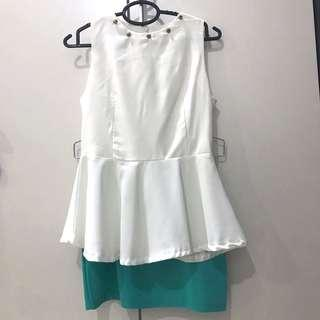 Sleeveless white pendulum top with turquoise skirt #dressforsuccess30