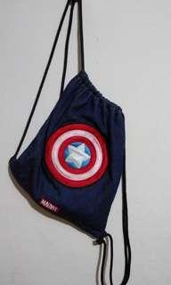 🚚 漫威美國隊長周邊牛仔布束口背包