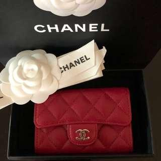 SALE‼️Brand new Chanel red caviar card holder
