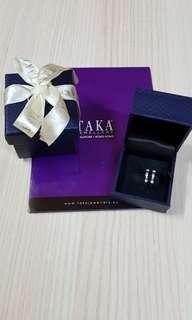 18K White Gold Diamond Earrings from TAKA Jewellery