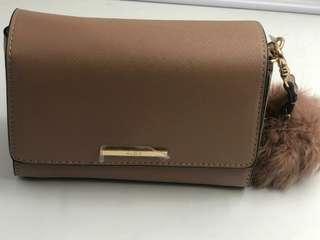 Sling bag W fur key chain