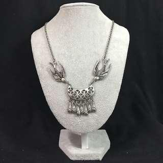 Lovisa Birdie Necklace