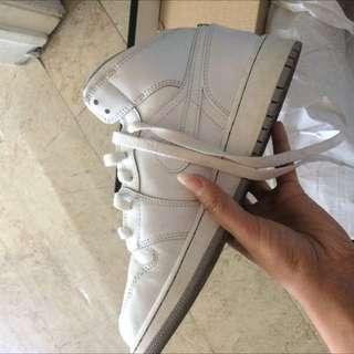 5.5Y Air Jordan 1 Mid BG