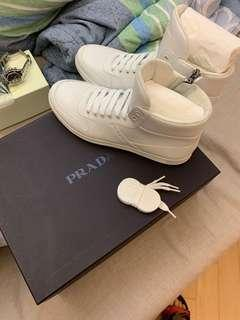 Prada men sneakers size 41 100%new and real