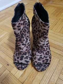 Forever 21 Leopard Shoes Size 8